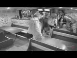 Камышин. 17.10.2017 г. Пьяный мужчина угрожает в кафе гранатой и пистолетом граната