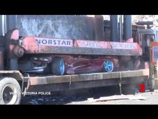В Австралии машины стритрейсеров уничтожают прессом