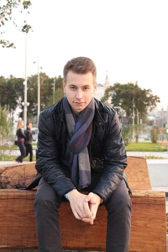 Илья Ахатов  