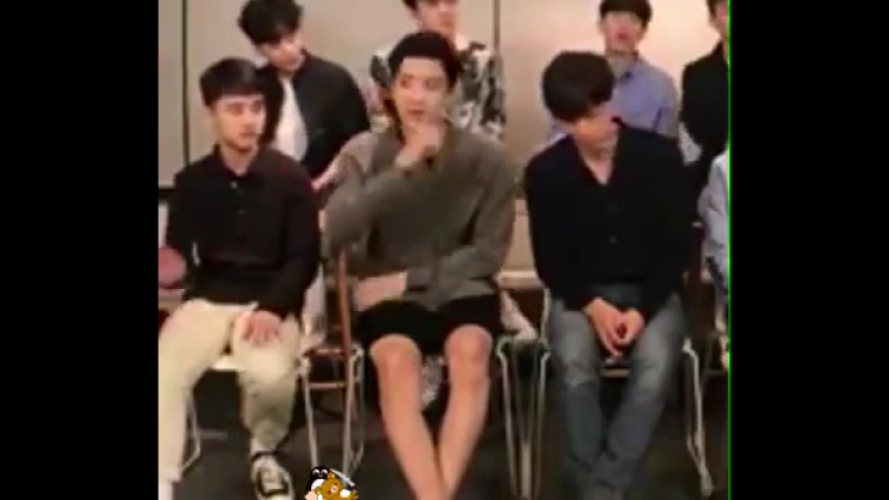 When Jongn touched Pcy's knee, Ksoo saw