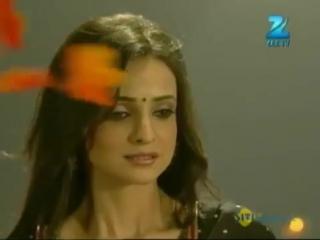 Pehli Nazar in Yash Raj Style - Ishq Wala Love Valentines Day Special with Karan V Grover. #SanayaIrani
