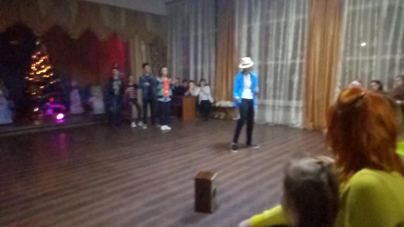 Новогодняя ДиСкоТЕка: Выступление нашего класса! 8-Б ОШ№10