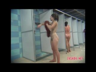 Смотреть подглядывание в женских банях полная версия