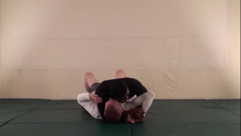 Volume.13.Knee.On.Stomach