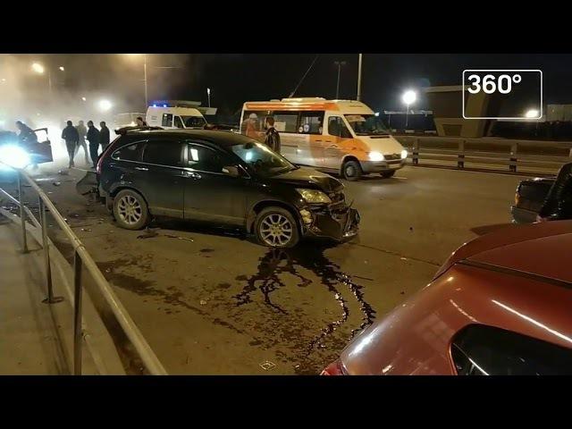 Два человека пострадали вмассовом ДТП наюго востоке Москвы