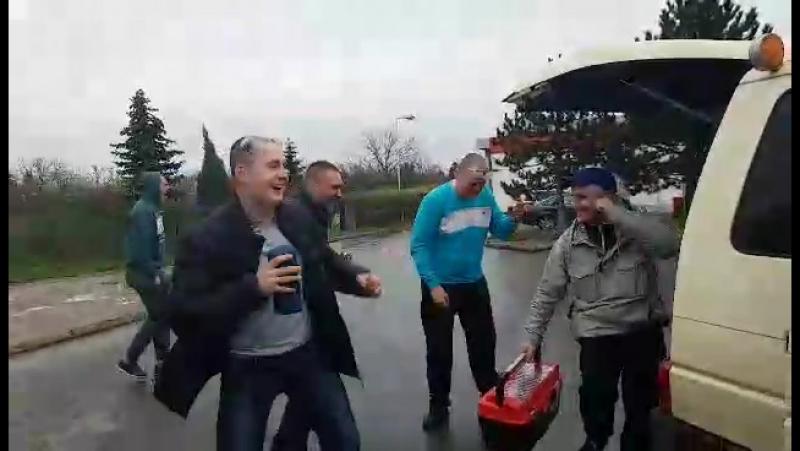 Відихаєм перед віздом в прагу)