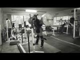 Алексей Никулин приседает 300 кг на 2 раза в наколенных бинтах легко
