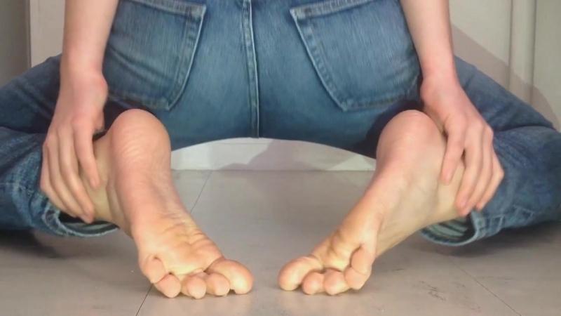 Simple Motion GunSlungLow Mix Sexy Feet Video