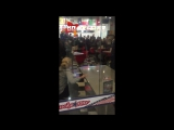 Молодая пара на глазах детей напала на сотрудников Росгвардии в Великом Новгороде