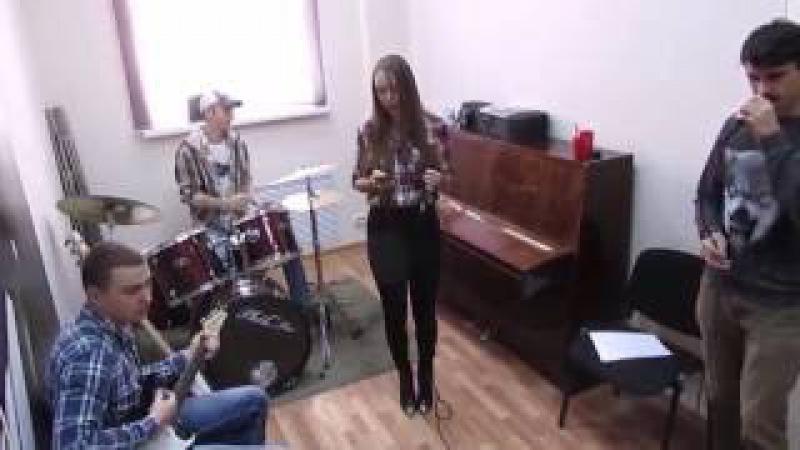 Уроки ВИА в музыкальной студии Виртуозы. Играй и пой с нами!