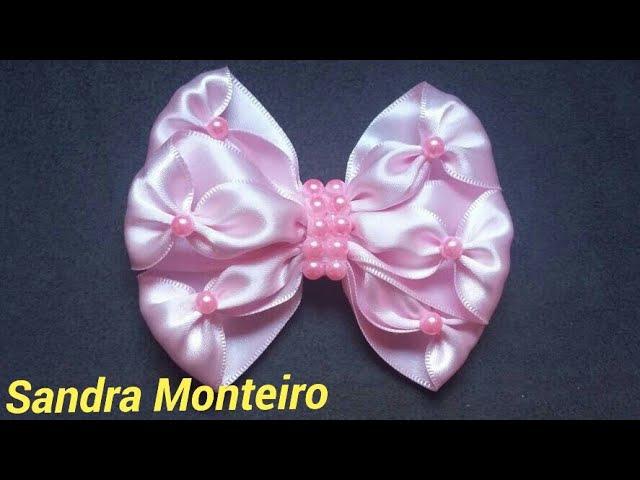Laço elegante feita com fita de cetim Sandra Monteiro