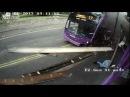 Мужчину сбил автобус перед входом в паб, он встал и продолжил путь!!