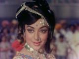 Duniya Ka Mela Mele Mein Ladki - Lata Mangeshkar - Raja Jani 1972 Songs - Dharmendra, Hema Malini