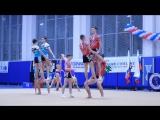 Спортивная акробатика и мотивирующая песня молодежи
