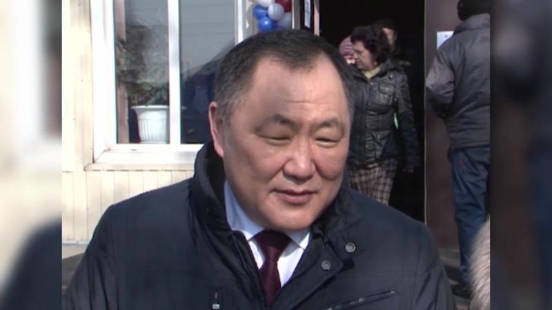 Глава Тувы Шолбан Кара-оол проголосовал на выборах Главы Государства с семьей