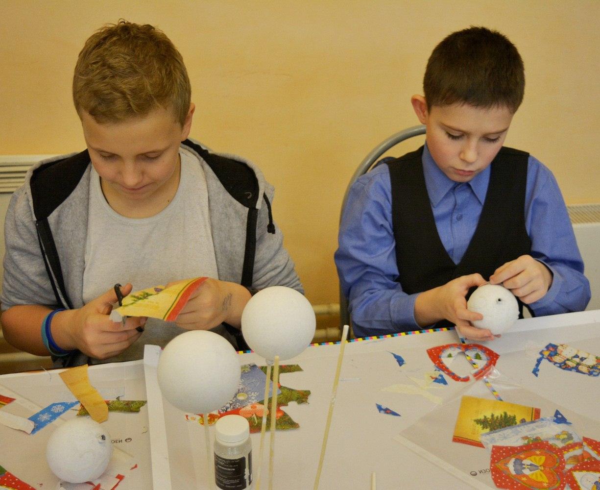 мастер-класс по декупажу ёлочных шаров