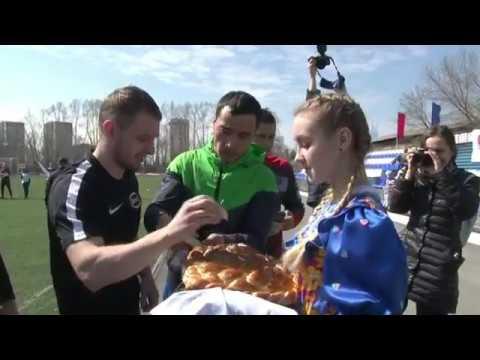Новосибирск шаарында улуттар аралык мини футбол