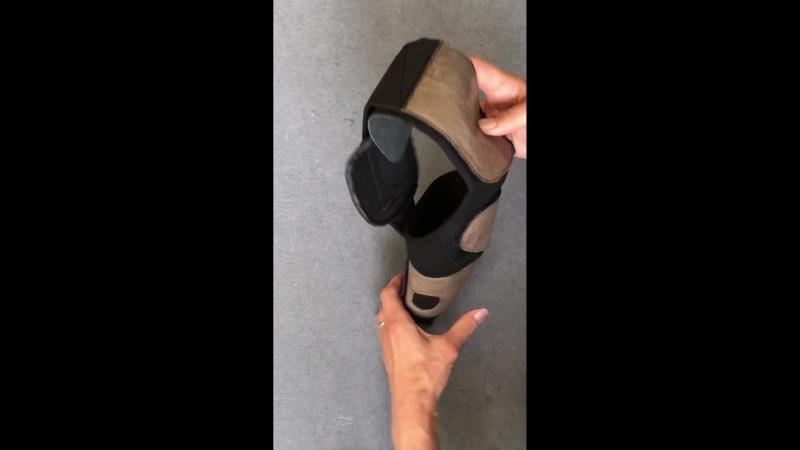 Бандаж для фиксации коленного сустава.