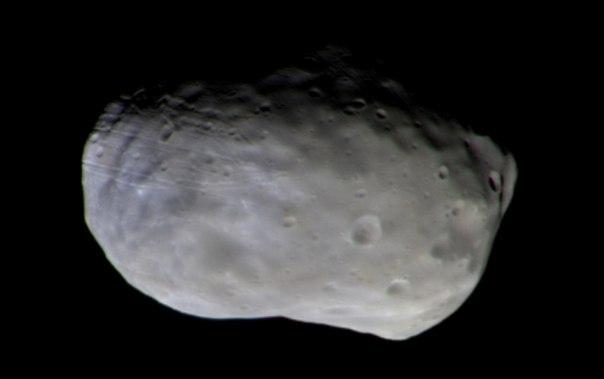 Первое цветное изображение Фобоса, спутника Марса, с зонда ЭкзоМарс в 2016 году