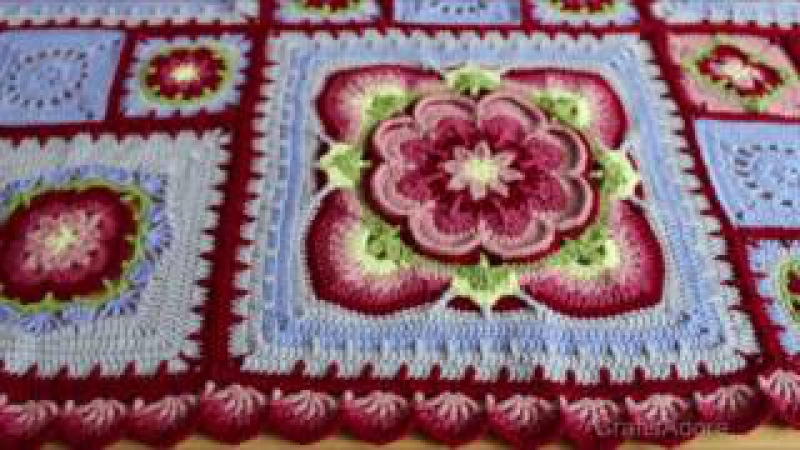 My 'Rose of Avalon' Crochet Blanket Ta-Dah Vlog - Pattern by Helen Shrimpton / Deramores