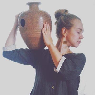 Ася Вахмистрова