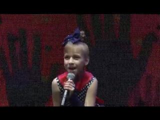 Выступление маленькой звездочки Вики на конкурсе Взлетай.mp4