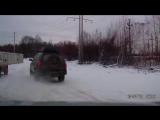 Погоня в Перми. Джип уходя от машины ГИБДД взял на таран случайное авто.