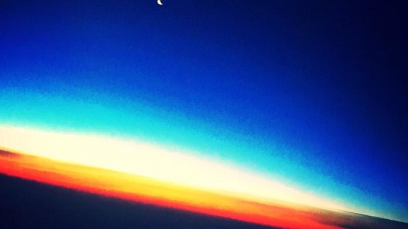 Космос в одно касание, материал снят во время полёта 🚀🌒💫🌙🌍