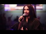 Conchita Rise like a Phoenix (live beim Ö3-Weihnachtswunder)