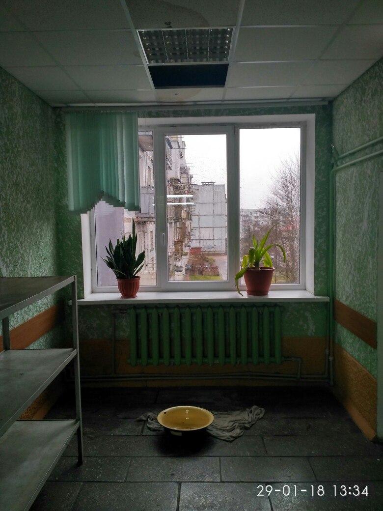 Некоторые  помещения детскую поликлиники в Советске охватила сырость