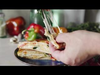 Стромболи - итальянская пицца-рулет.