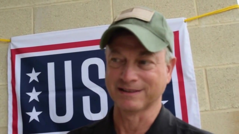 Actor Gary Sinise of the Lt Dan Band discusses his advocacy for veterans before ENG
