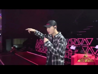 171211 EXO Lay Yixing @ Behind the scene making of 刘海砍樵(The Legend of the Woodcutter Liu Hai) performance