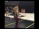 Шакира зажигает