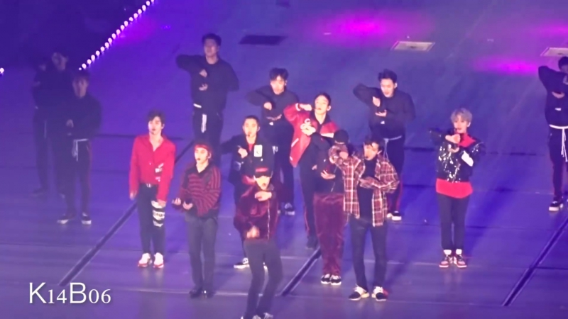 171125 Coming over Run This Drop That Power - EXO PLANET 4 - The ElyXiOn in Seoul [직캠]
