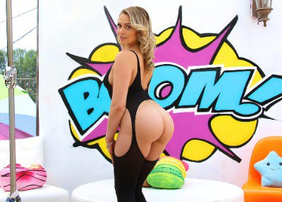 Watch Mia's Juicy Bubble Butt Get Split Wide Open