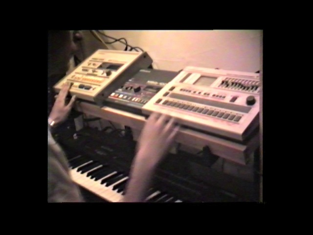 Sequencing like it's 1985. Yamaha DX7 Roland TR 707 MSQ 700