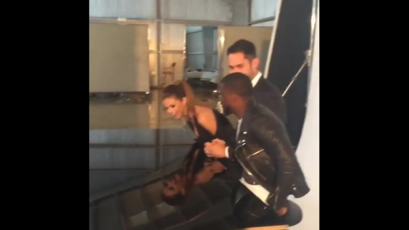 @catnap: Love a little @selenagomez dance break during @instagram and the @hollywoodreporter's cover shoot. 🎉