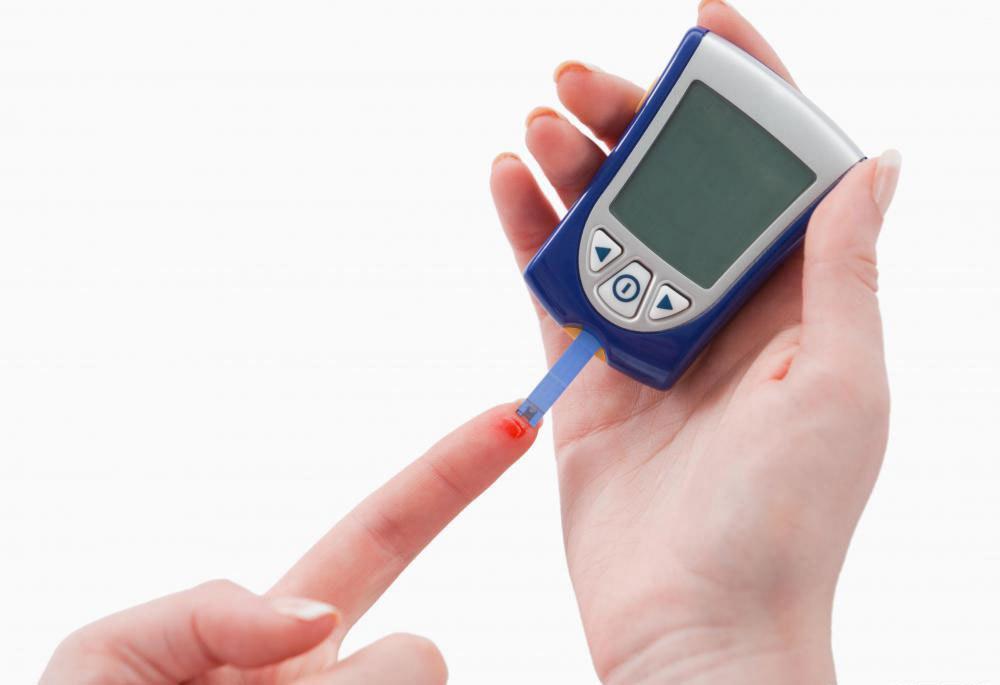 Крайне важно, чтобы люди с диабетом регулярно проверяли уровень сахара в крови.