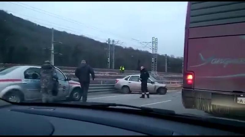 Лобовое столкновение по дороге на Красную Поляну. 02.03.18