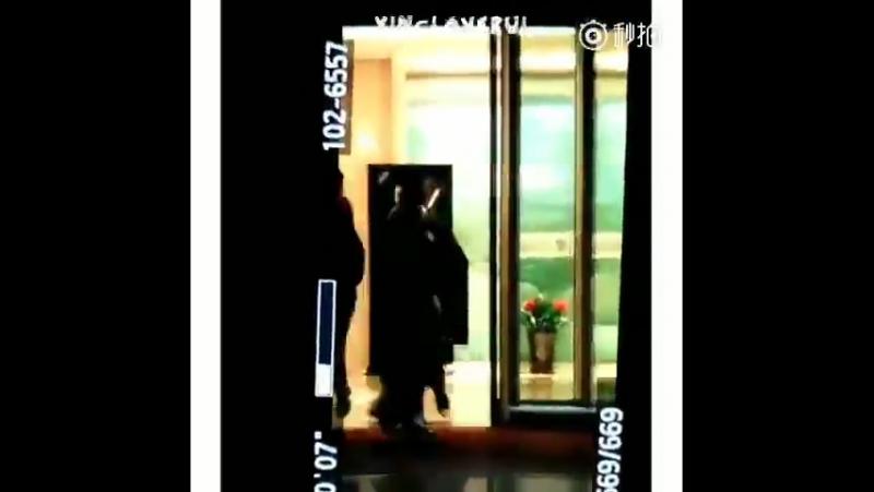 [FANCAM] 171107 PEK Airport @ Lay (Zhang Yixing)