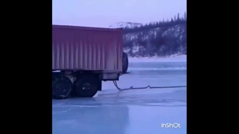 зимник якутск- мома