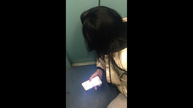 Лифте трахнули молоденькую в
