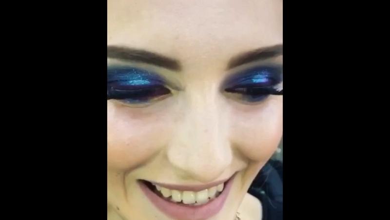 🦋🌑видеомакияж Смоки с цветными пигментами😍 @stylistnataly 😘 модель- обалденная @mashka_310 💕🌹