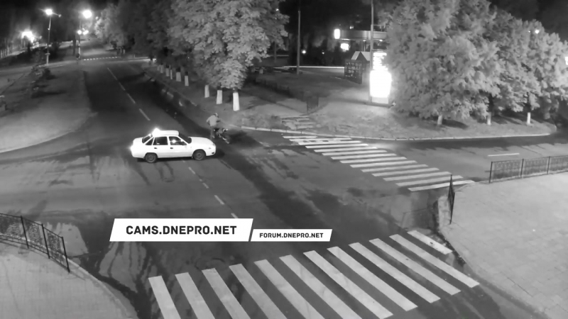 Таксисту дали в бубен! Украина, Каменское, 21.06.2017.