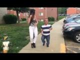 Карлик танцует латино с сексуальной девушкой