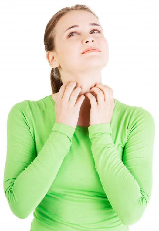 Влажный воздух вызывает сильный зуд, но не сыпь на лице с аквагенным зудом.