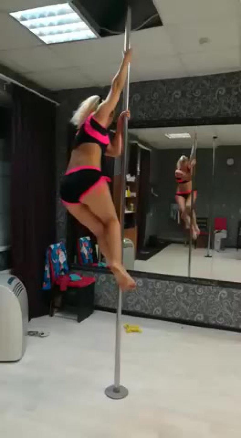 Наталья Буракова. Связка из виса на локте.