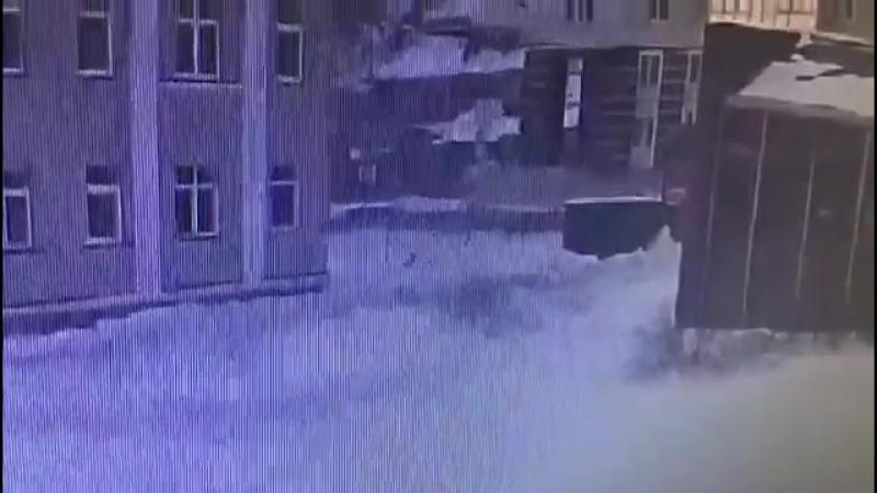 Житель Казани после надругательства над падчерицей зарезал ее и себя