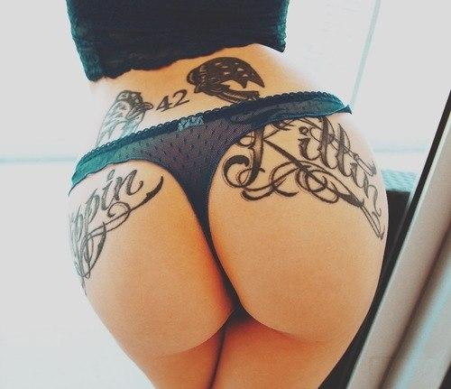 Slut brunette masturbates on webcam Porn Videos